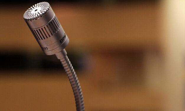 4 façons puissantes pour les conférenciers professionnels de commencer une présentation